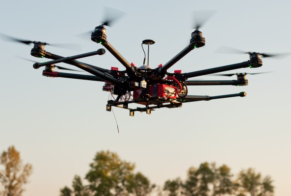 ThinkstockPhotos-490303810 Senator Continues Push for 'Clear Strategy' on Controlling Rogue Drones