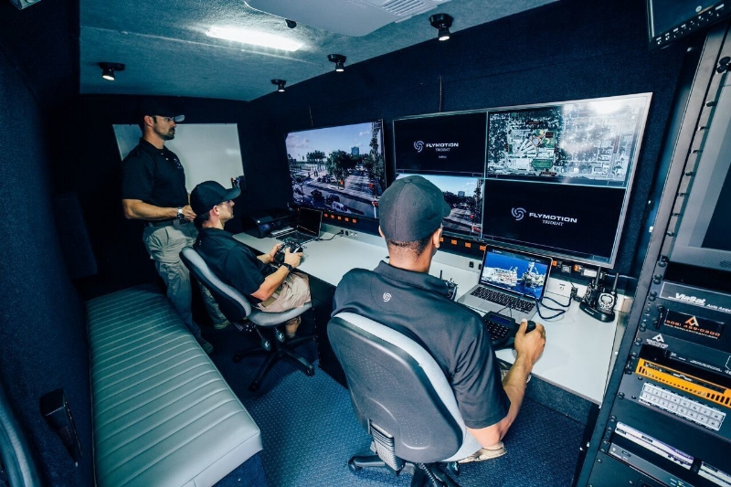 Mobile Command Shelters : Liveu flymotion offer live video transmission in drone