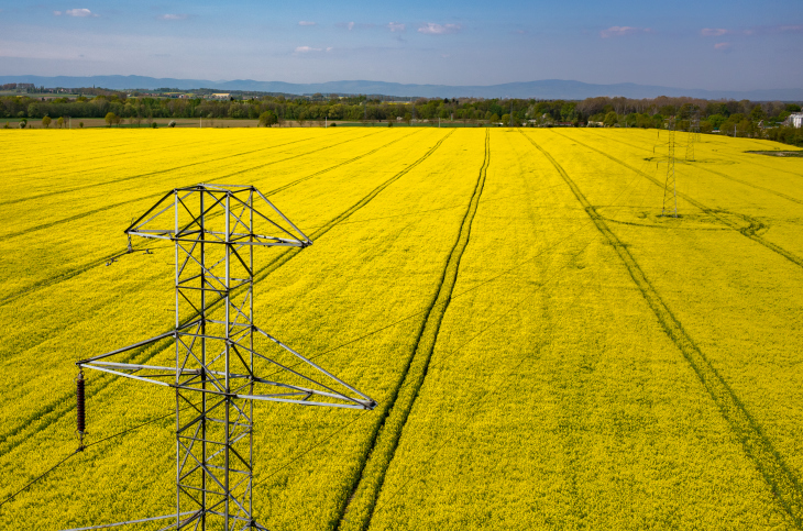 ThinkstockPhotos-478728606 Valmie Gets FAA Green Light for Blend of UAS Applications