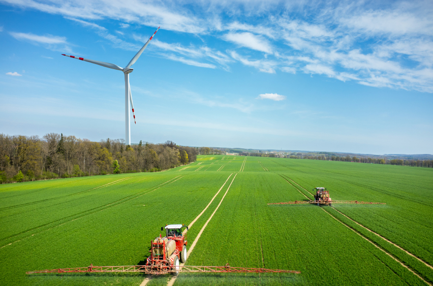 iStock_000087751065_Small Deveron Gets Federal Green Light for UAV Ag Surveys Across Ontario