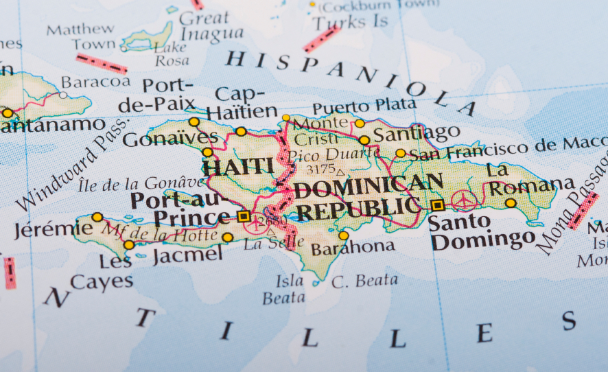 iStock_000013371717_Small Project Seeks to Establish UAV Network for Health Centers in Dominican Republic