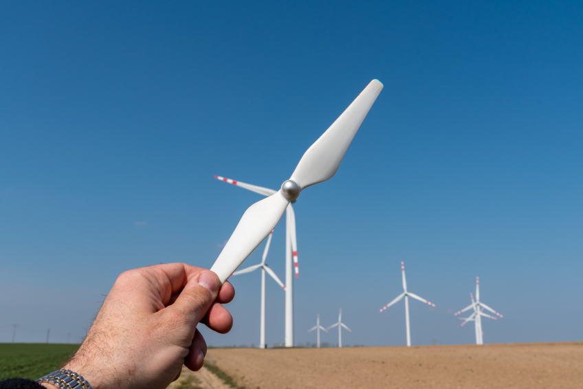 iStock_000090931729_Small Companies Combine Forces for Drone-Based Wind Turbine Inspections