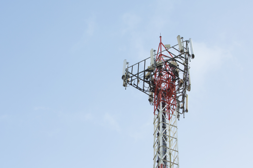 iStock_000082966653_Small UAS Safety Resource Created for Wireless Infrastructure Industry