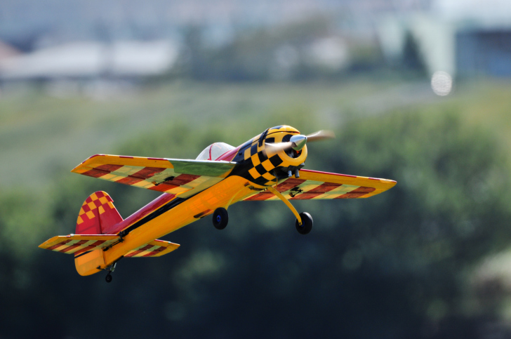 model-airplane FAA to AMA: Yes, You Can Fly Over 400 Feet