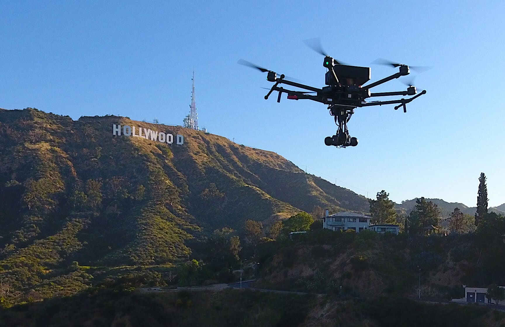 flying-eye-hollywood-sign-1 Flying EYE Virtual Reality Drone Launches for Live Broadcasting
