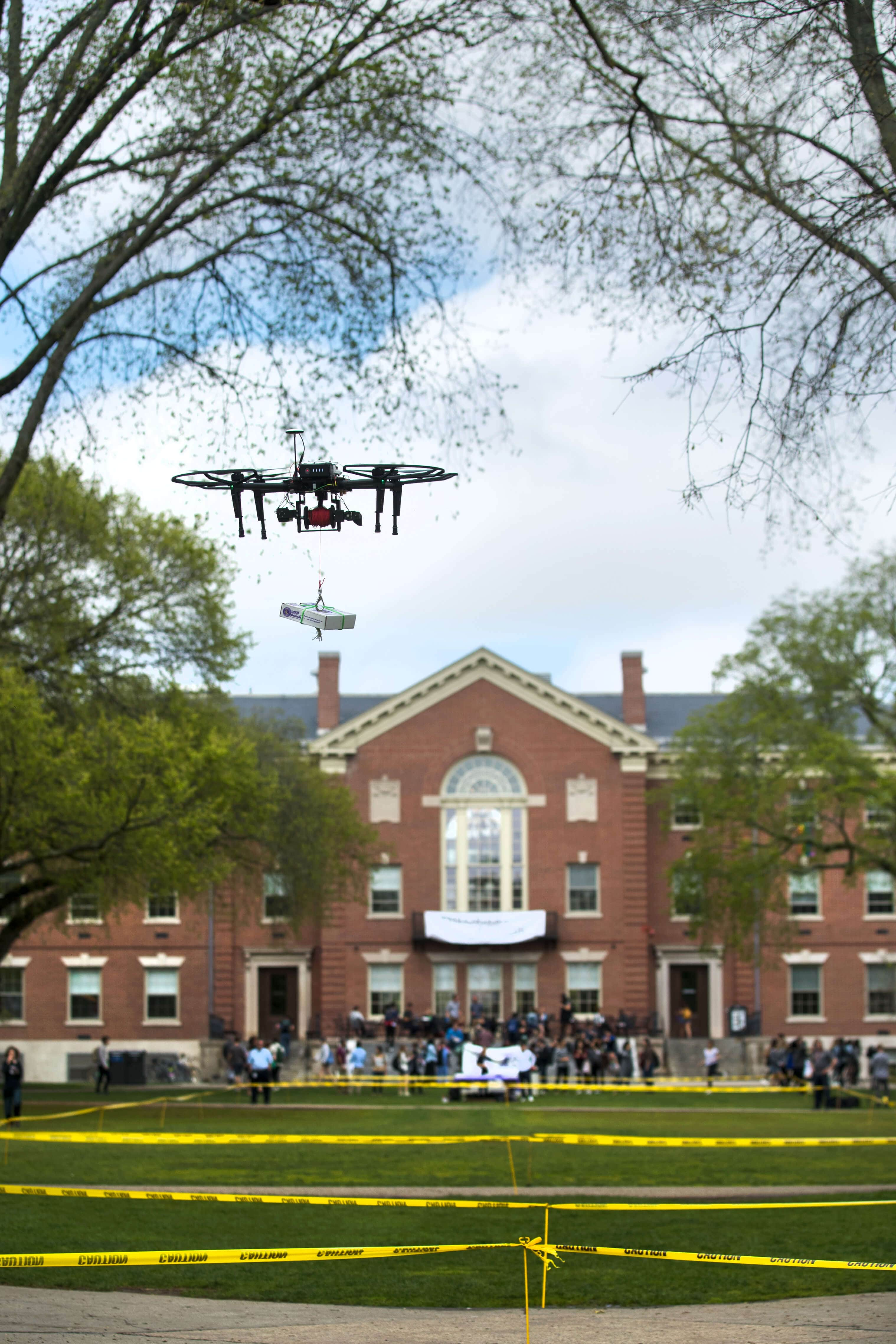 drone-delivery-cookies Brown University Students Undertake Cookie Drone Delivery