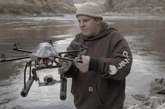 1324_pgroves_hexakopter Utility Turns to UAS to Battle Inhospitable Hells Canyon