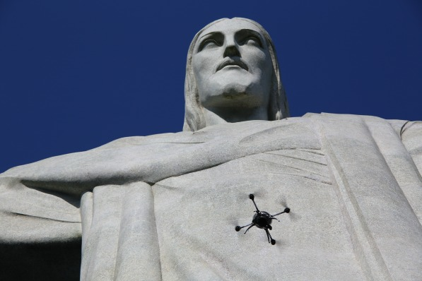 915_drone_and_christ_03 Aeryon, Pix4D Turn Christ the Redeemer into 3D Model