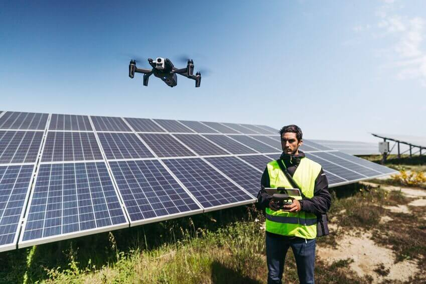 ANAFI-Thermal_SolarFarm-2-1 Parrot Rolls out ANAFI Thermal Drone